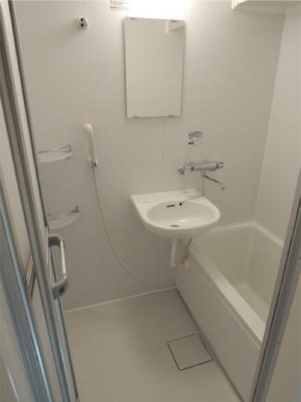 tonai_bathroom
